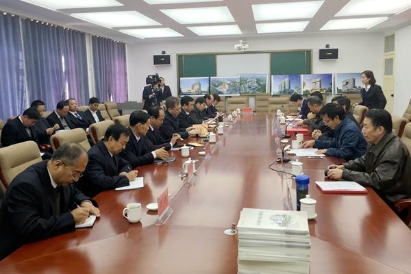 我校应用技术学院揭牌暨奠基仪式在临洮县举行